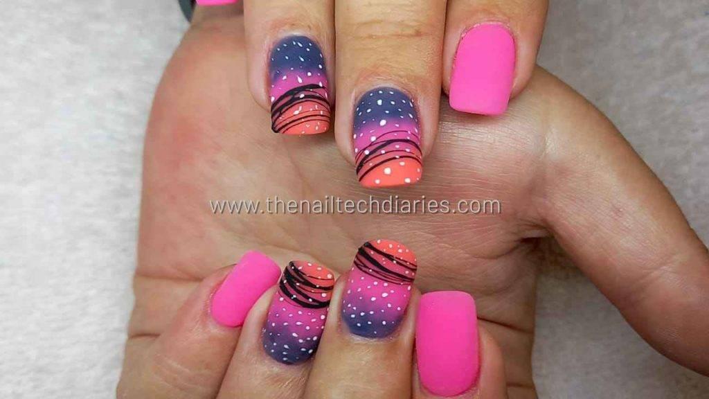 20. Neon new years nails