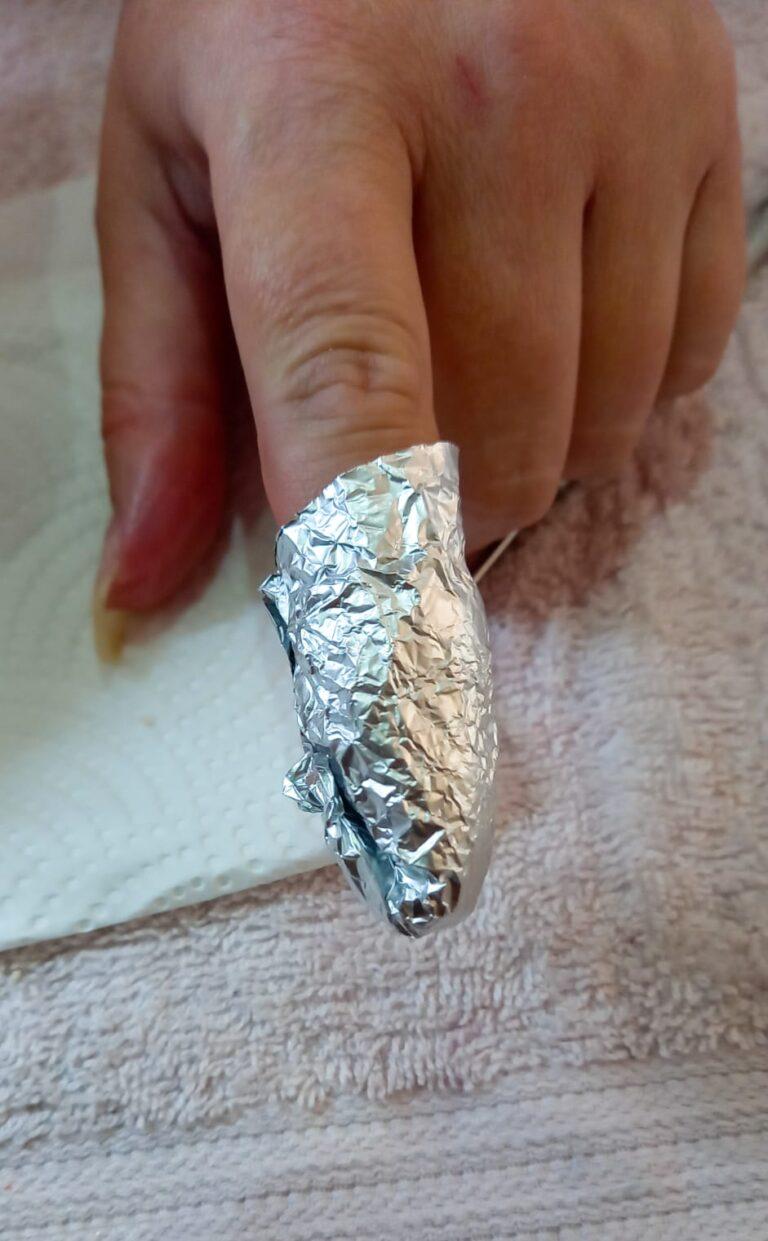 foil over finger